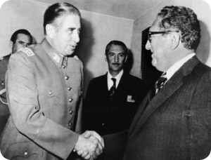 11kissinger_pinochet